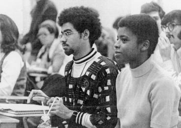 Linda Brantley '71 with fellow students during a lecture in 1969.