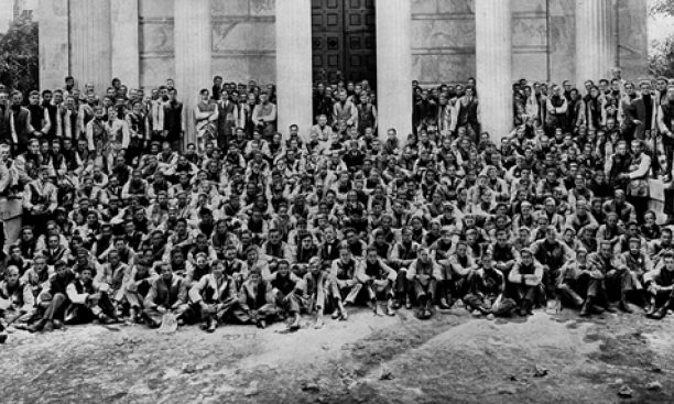 16759-Class_of_1915_frosh-thumb-620x286-16758.png