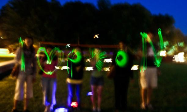 6251-glow_sticks-thumb-640x426-6250.jpg
