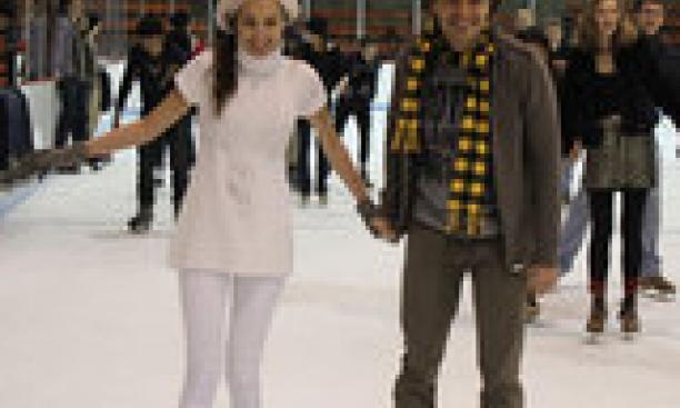 7419-skating3-thumb-160x240-7418.jpg