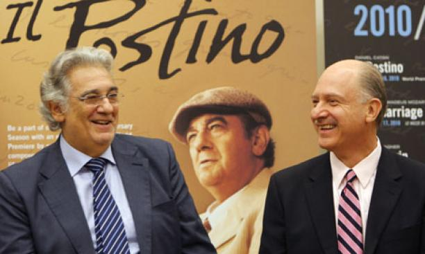 "Plácido Domingo, left, starred in the premiere of the opera ""Il Postino"" by Daniel Catán *77, at right."