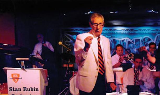 Stan Rubin '55 performing with his band at Swing 46 in New York City in 2009.