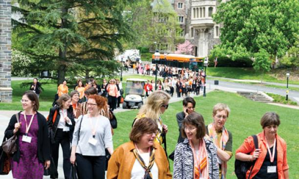 Attendees on their way to lunch in Whitman College courtyard, featuring a talk by Lisa Jackson *86.