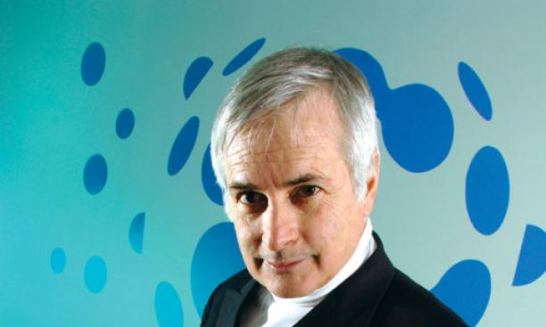Astronomer Seth Shostak '65 has sifted through the universe's radio signals for intelligent life.