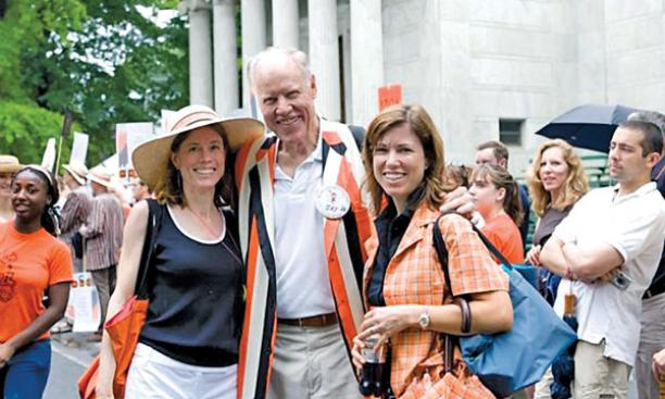 Jay Sherrerd '52 with daughters Anne C. Sherrerd *87, left, and Susan M. Sherrerd '86.