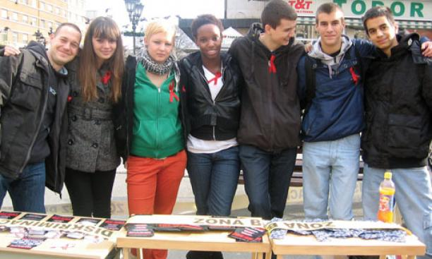 Lelabari Giwa-Ojuri '14, center, with a group of Serbian students in Novi Sad, Serbia.