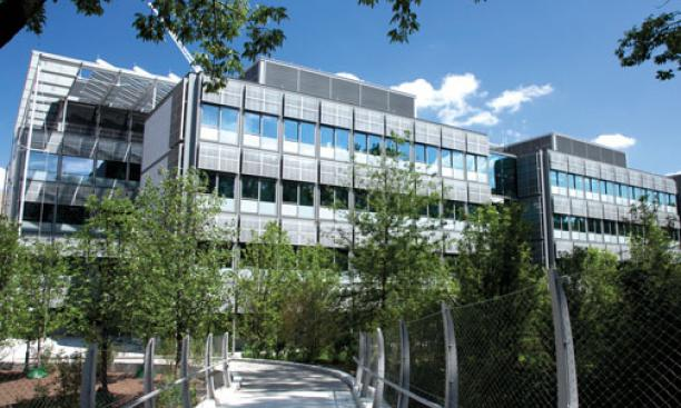 A view across the newly opened Streicker Bridge toward Frick Chemistry Lab. The building was designed by Hopkins Architects of London in collaboration with Payette Associates of Boston.