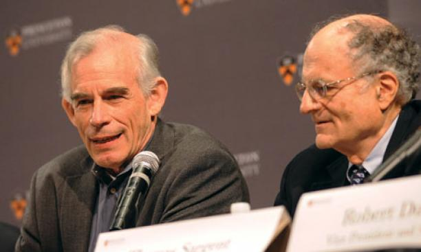 Princeton professor Christopher Sims, left, and NYU professor Thomas Sargent, a visiting professor at Princeton, at a press conference following the announcement that they had won the Nobel Prize for economics.