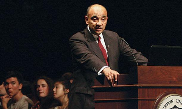 """Honor already matters in your lives,"" Professor Kwame Anthony Appiah tells freshmen."