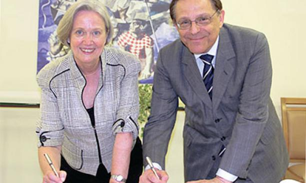 Cementing a strategic partnership with University of São Paulo Rector João Grandino Rodas on October 31.