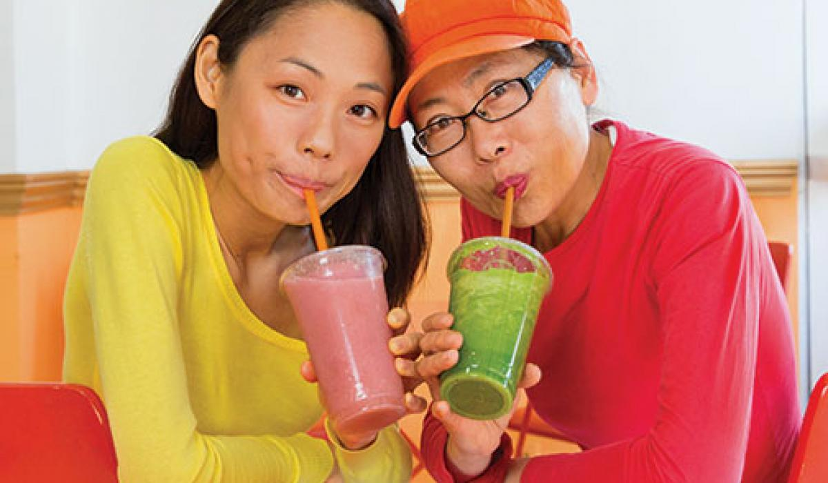 Yuchen Zhang '10, left, and her mother, Tanyue Chen, run a smoothie shop in downtown Santa Monica.