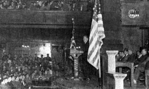 President Dodds *1914 addresses students at Alexander Hall.