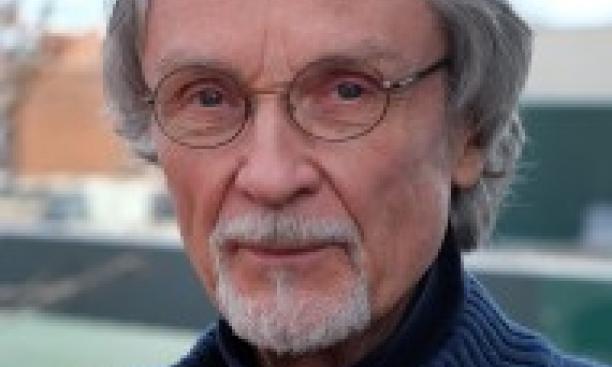 Robert Hellenga *69