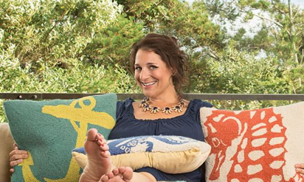 Jennifer Weiner '91 relaxes in Cape Cod after the publication of her latest novel, All Fall Down.