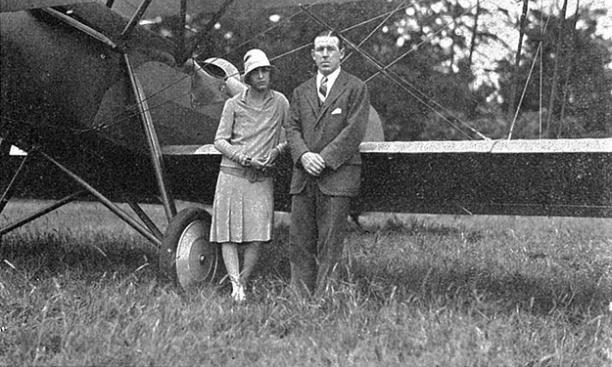 Flying ace Elliott Springs, Class of 1917, with his wife, Frances. (PAW Archives)