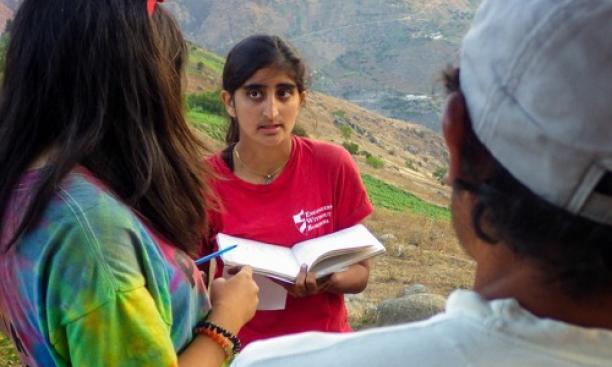 Kasturi Shah '16, center, and Amanda Li '16 talk with one of EWB's community partners in La Pitajaya, Peru. (Courtesy Joshua Umansky-Castro '17)