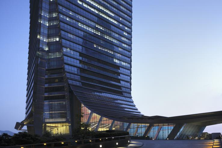 A close-up of the base of the International Commerce Centre (ICC) tower. (Photo: Nacasa & Partners)