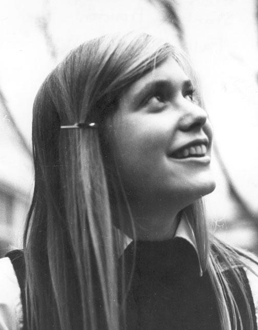 Princeton freshman Ellen Kahn '75.